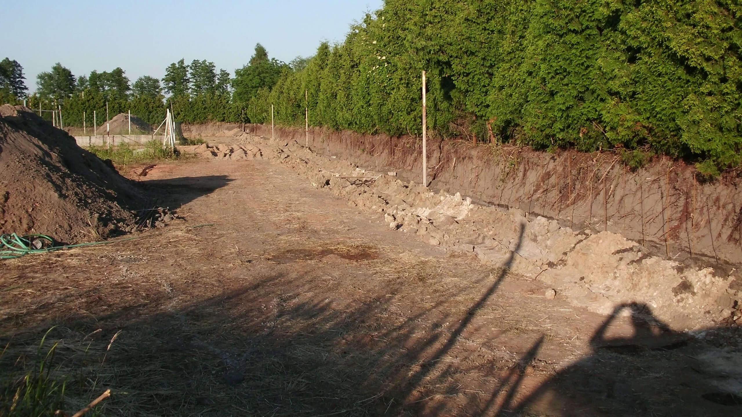 Vylité základy plotu 5_14